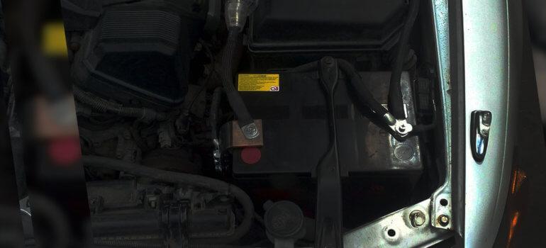 Как зарядить аккумулятор автомобиля?