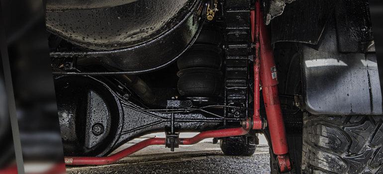 Стук в подвеске авто: методы выявления поломок